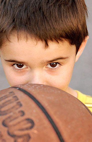 1gu_basketball_96.jpg