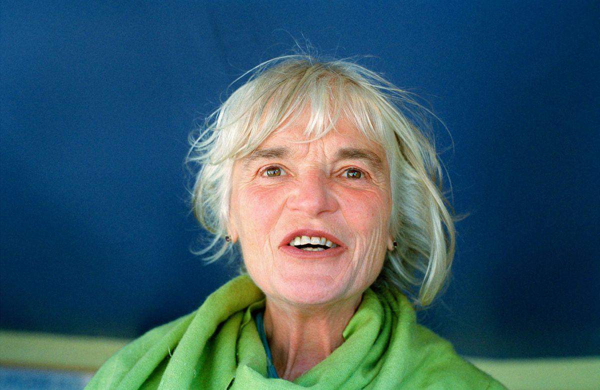 001 _old woman green shirt b-3.jpg