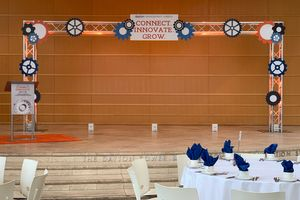 meetings-stage-podium-event-lighting-dayton-cincinnati-columbus-unlimited-events_003.jpg
