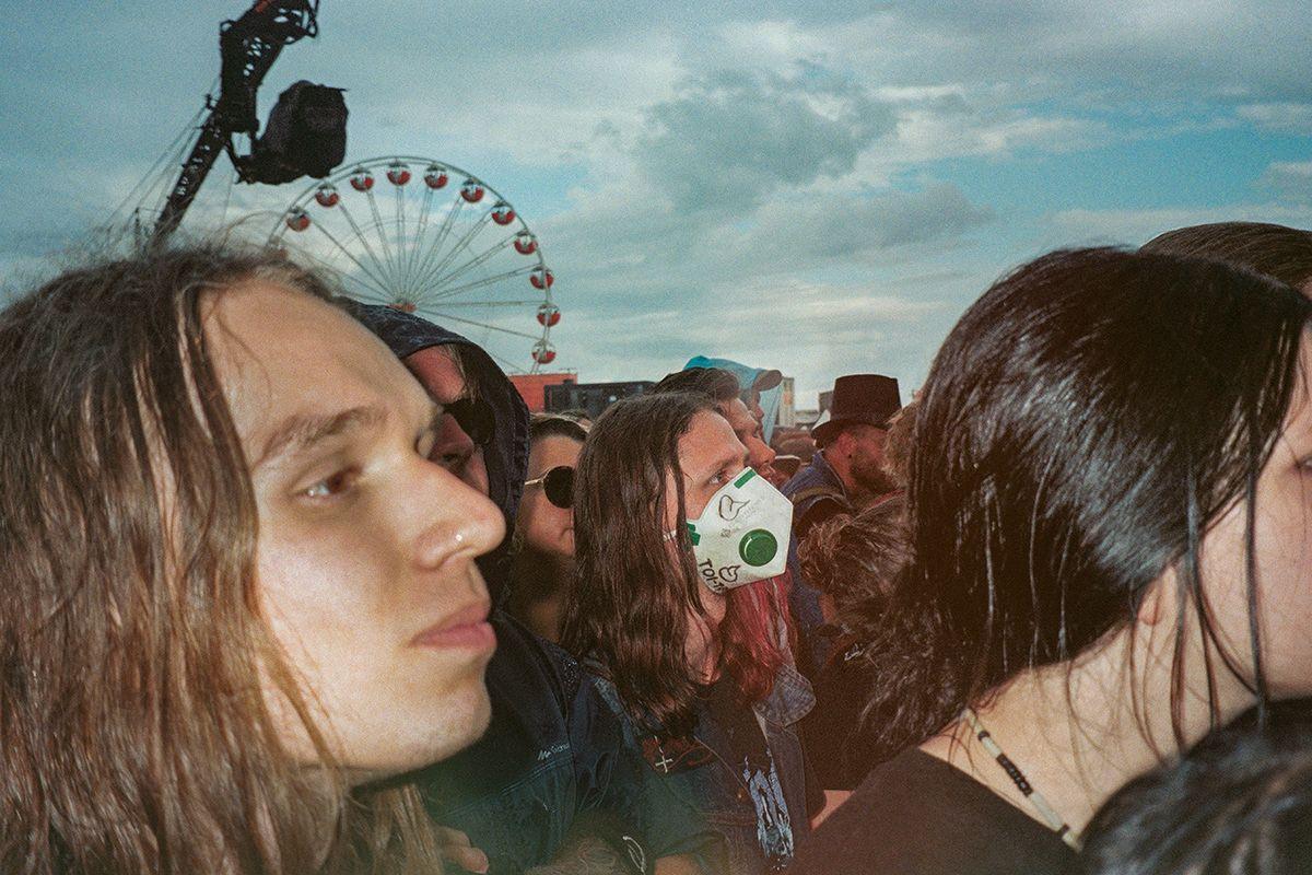 Woodstock_festival_poland30_Niv_shank_social_distance.jpg