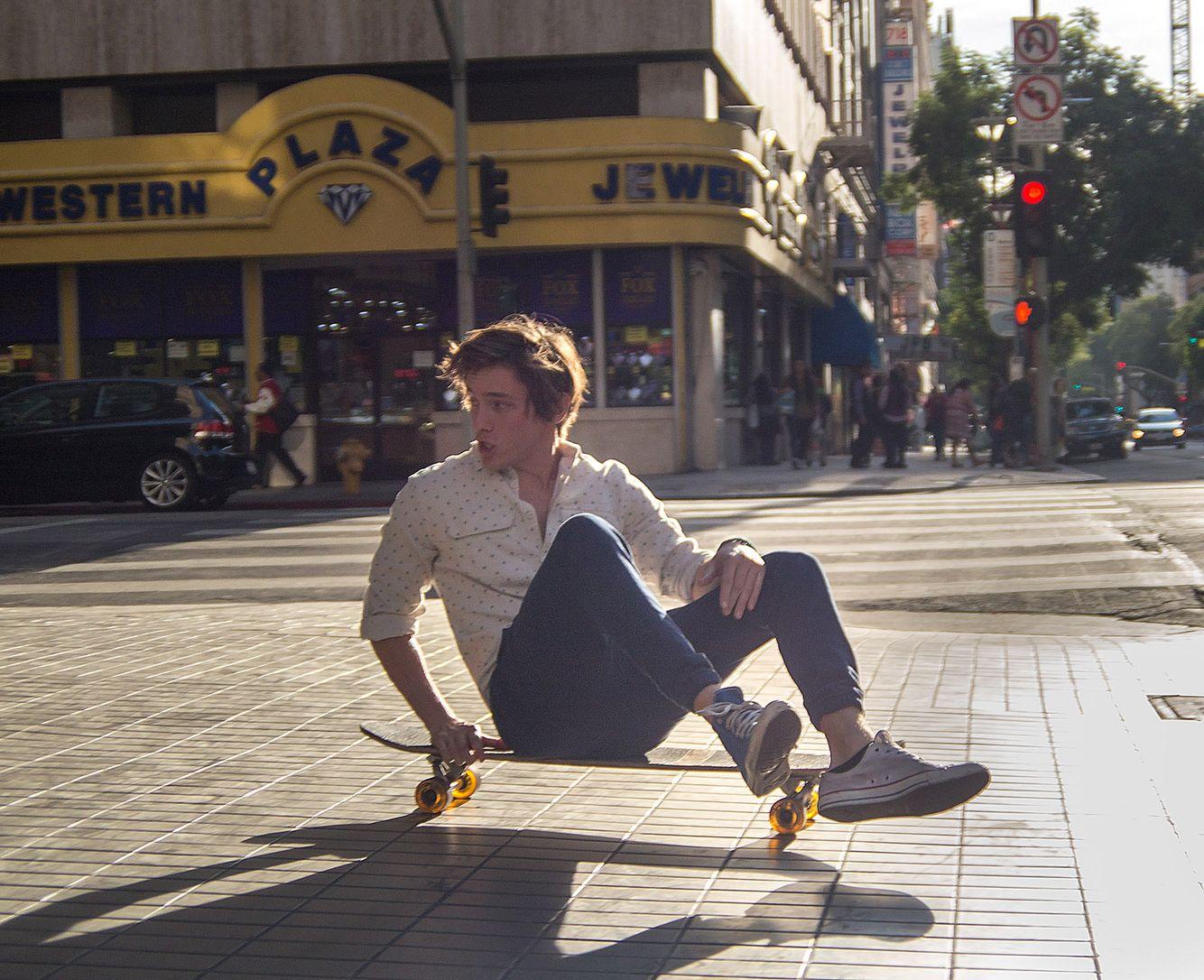 Niv-shank-Los-angeles-california-skating.jpg