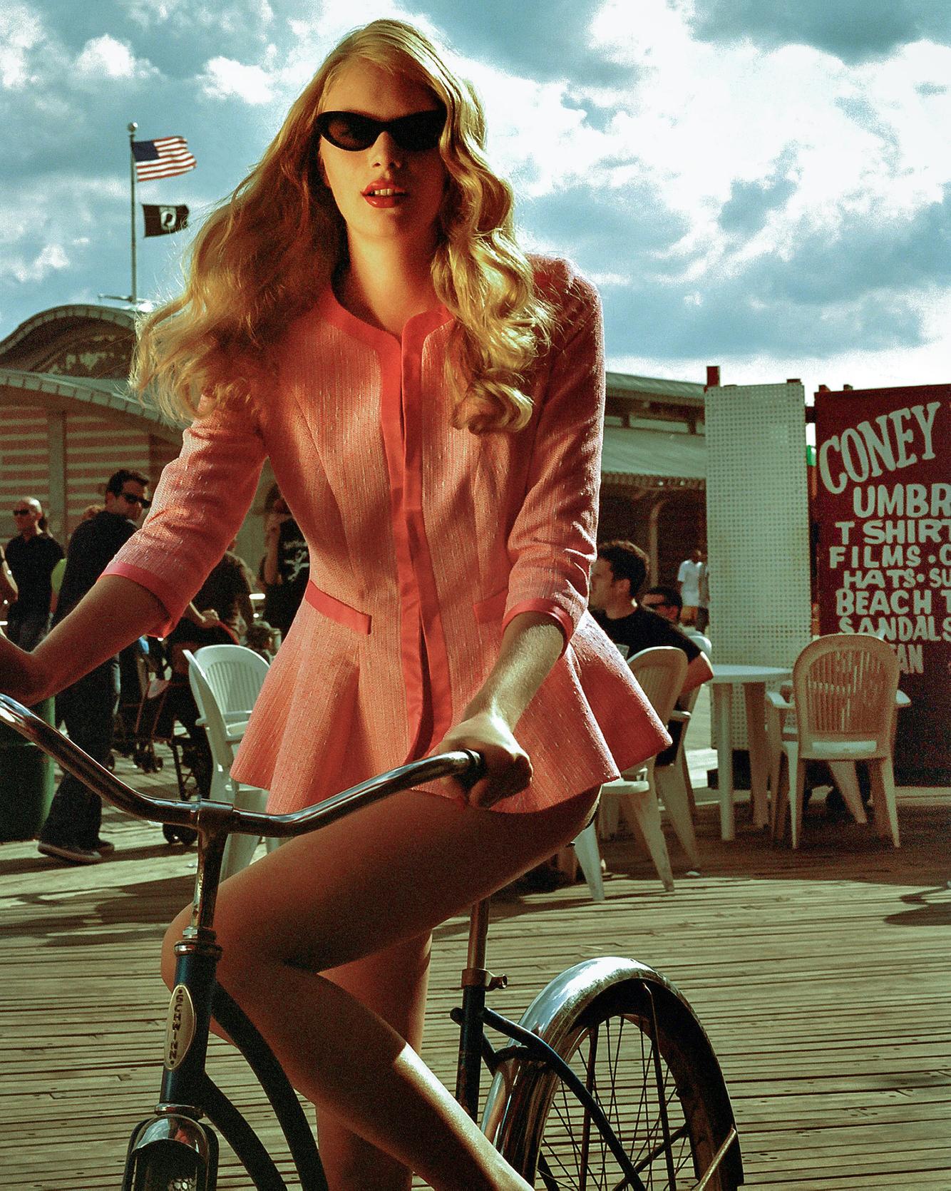 Niv_shank_fashion_coney_island_New-york.jpg