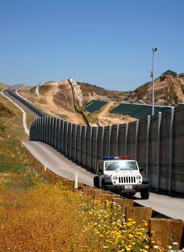 5_1_171_1US_Mexico_Border_D.jpg