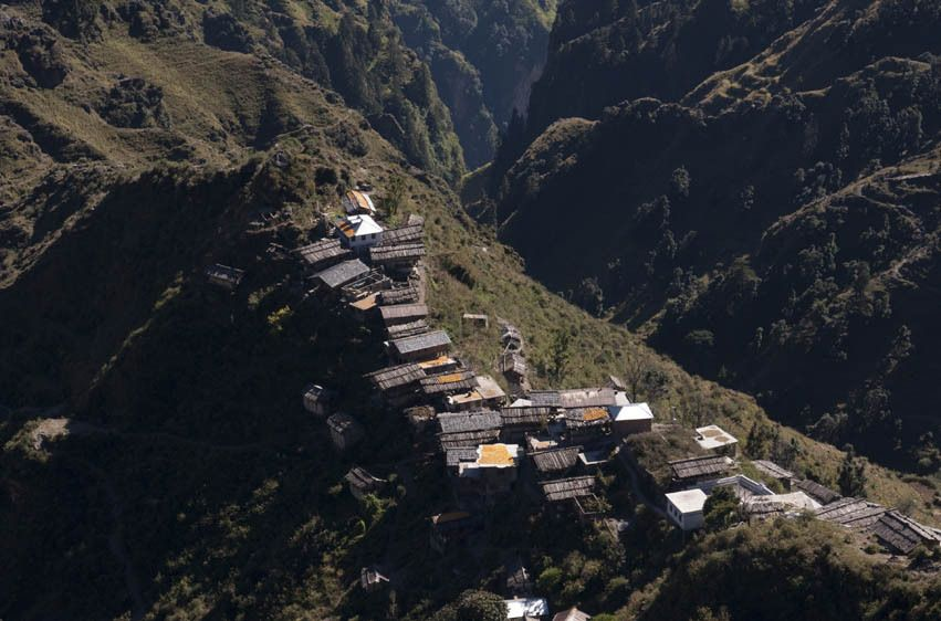 1Himalaya_villages_and_people_5735w.jpg