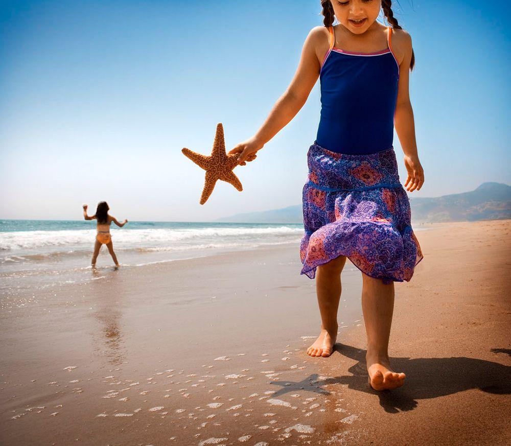 Girls-On-Beach-125_BLueDress.jpg