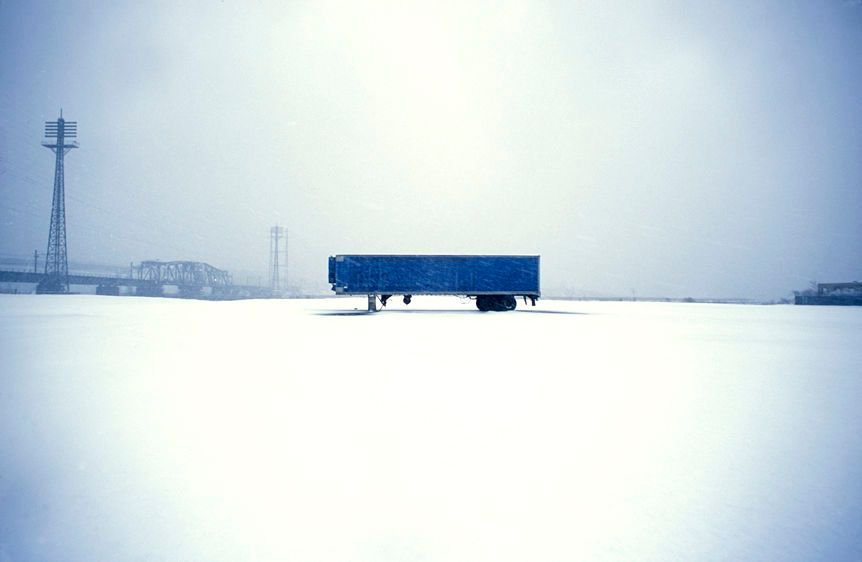 1blue_trailer_with_snow