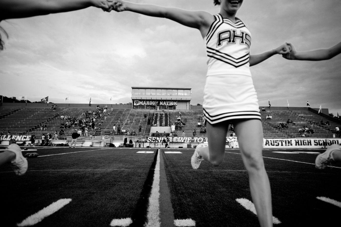 housepark cheerleaders