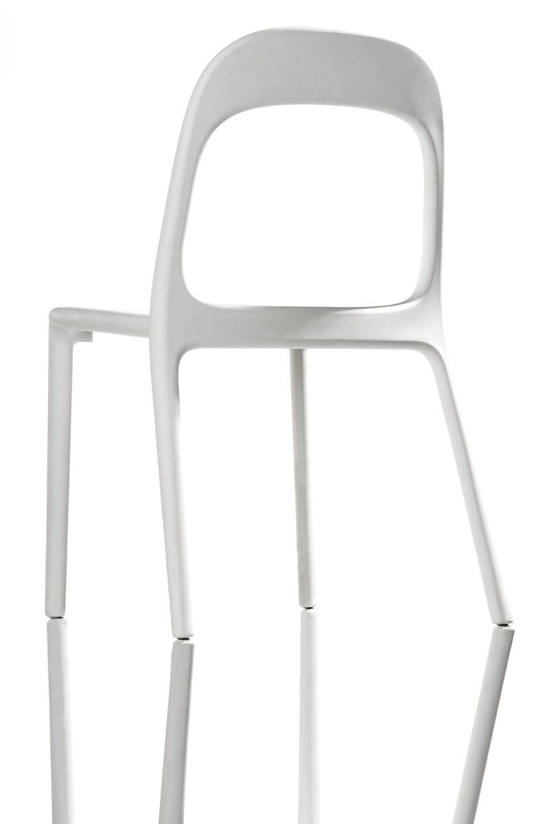 1white_chair.jpg
