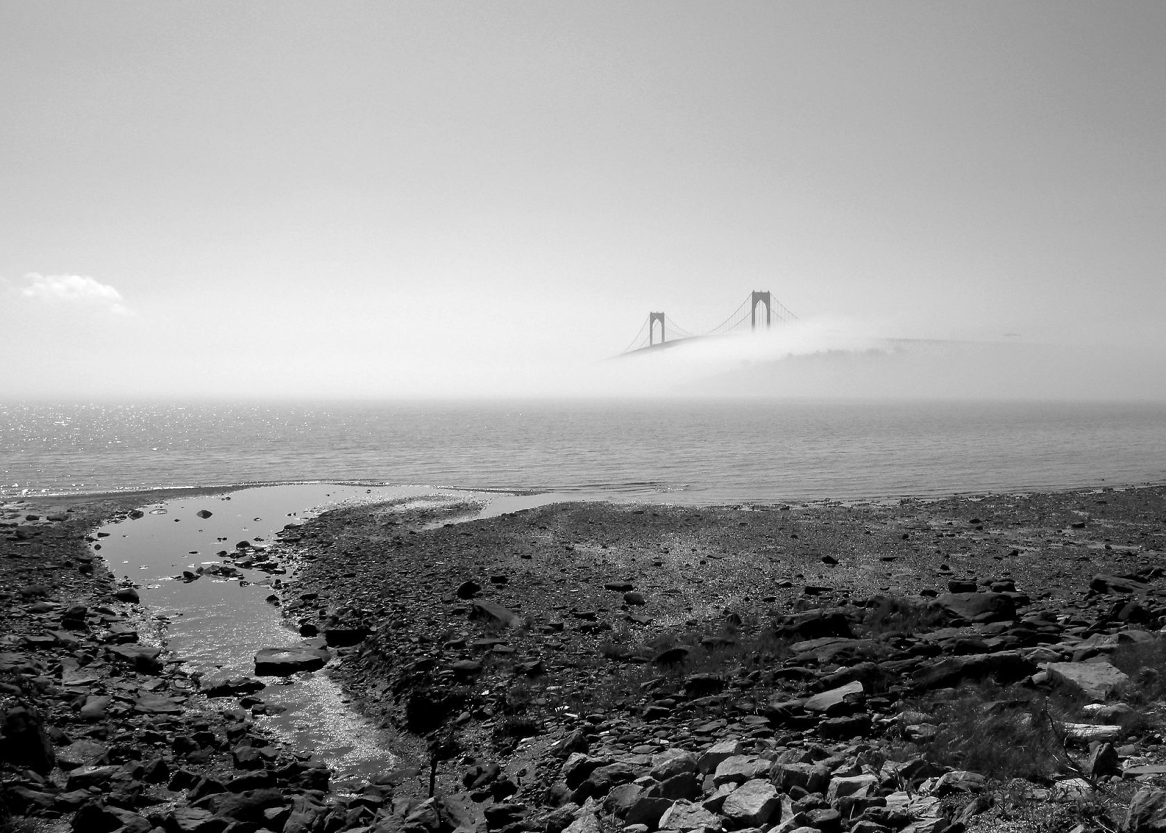 1bridge_fog_daylight_r_bxw_5x7_.jpg