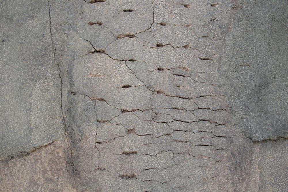 Cracks detail