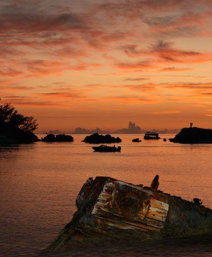 3_0_46_1Bermuda_Shipwreck.jpg