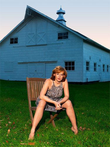 2_0_20_1Woman_and_barn.jpg