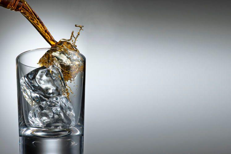 1drink_splash_pour_284_rt