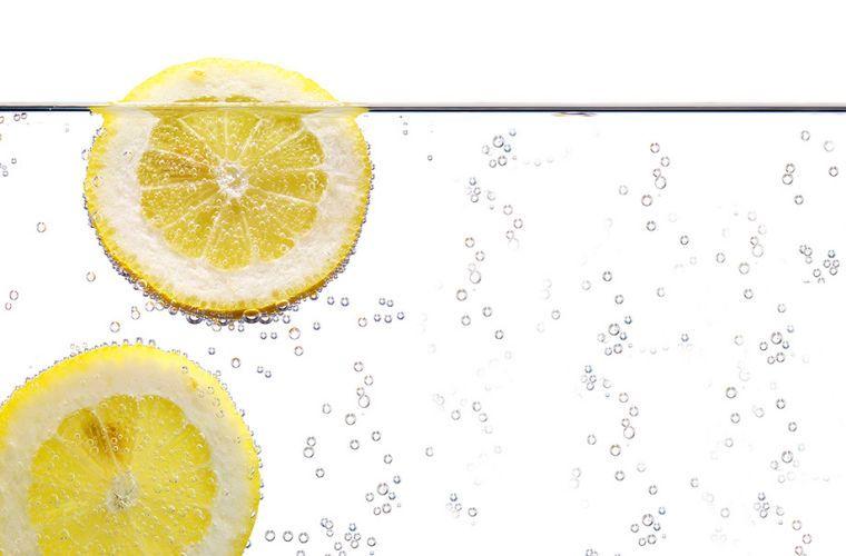 1Splash_LemonWater