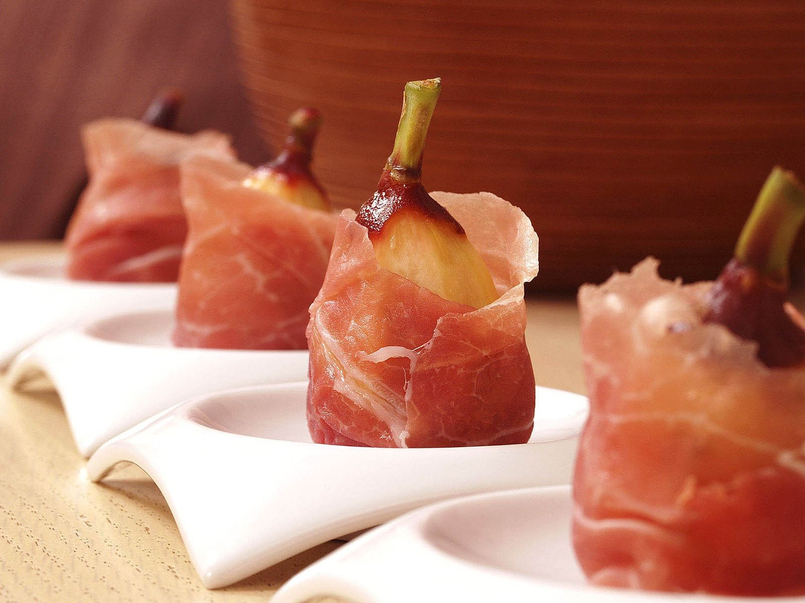 Lou-Manna- Prosciutto-Wrapped-Figs