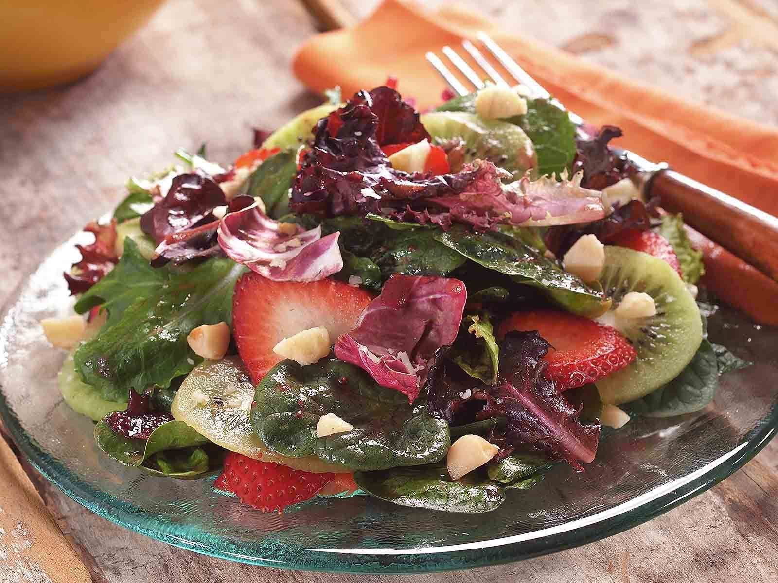 Lou-Manna- Kiwi-Strawberry-Salad