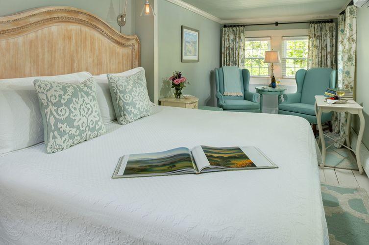 Guestroom---Chatham-Room.jpg