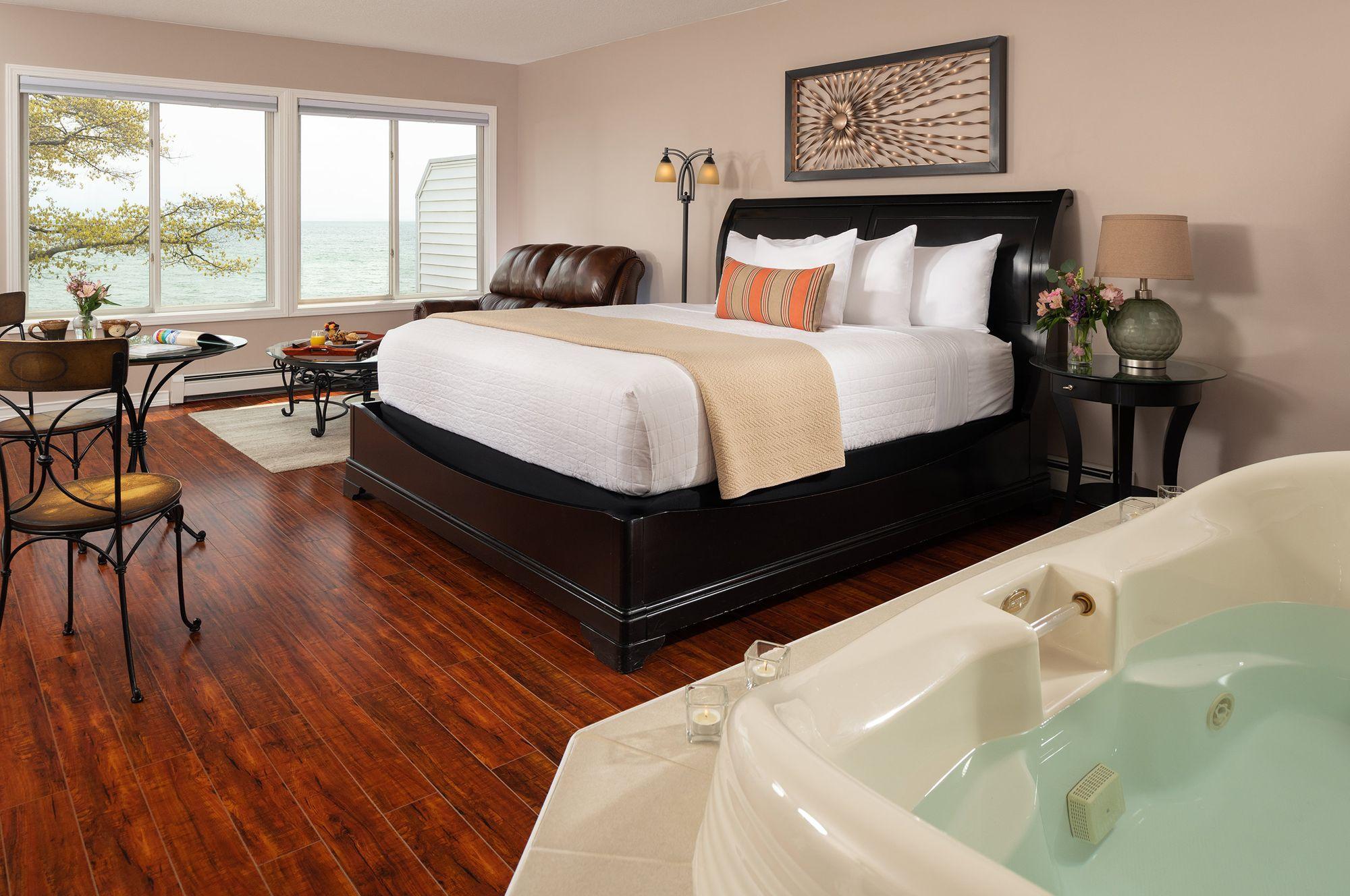 Guestrooms---Huron.jpg