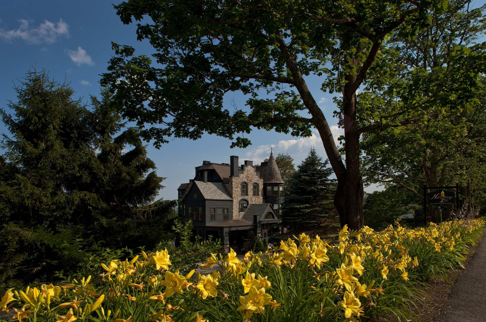 Exterior Architectural Daytime photograph - Maine Inn.jpg