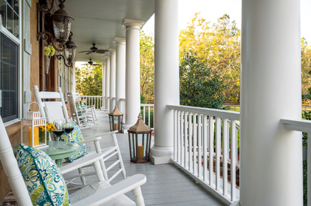 Horse-Stamp-Inn---Common-Areas---Porches---October-2017-(4)-copy.jpg