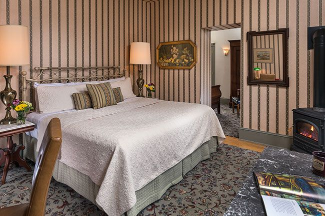 lafayette-inn-interiors-room-11-april-2017.jpg