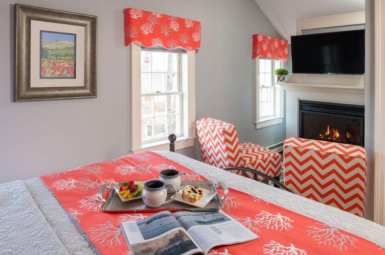 Guestroom---Eva-S.-Cullison.jpg