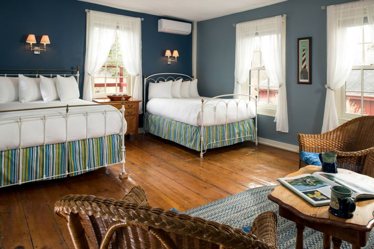 Pilgrim's Inn - Guest rooms - Room 1 - April 2018.jpg