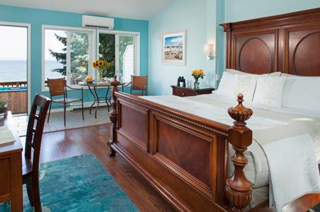 Guestrooms-Huron-House-Michigan-Great-Lakes.jpg