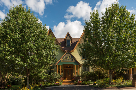 Hartzell-House---Exteriors---Front-of-the-Inn----September-2017-(3)-copy.jpg