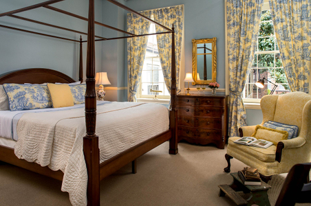 Maryland bed and breakfast guest room - Interior photograph.jpg