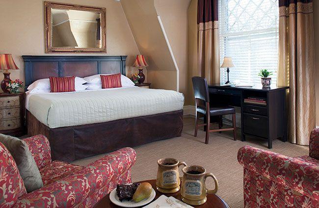 guestrooms-cardinal.jpg