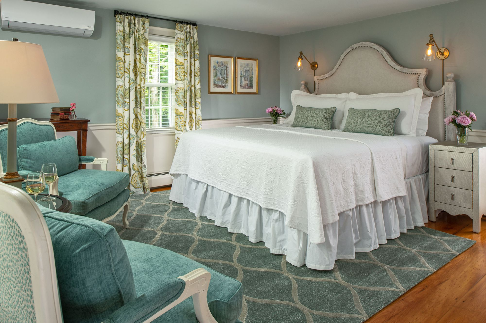 Inn-at-Yarmouth-Port---Guest-Room---Blue-Point-Room---June-2018.jpg