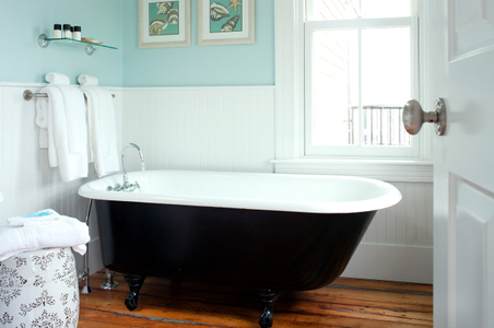 Woods Hole Inn interior bathroom photograph.jpg