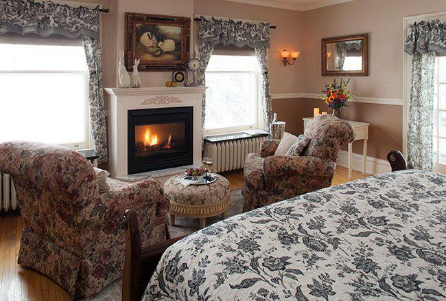 Guestroom-Edwin-H.-Hewitt-Room_6.jpg