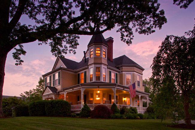 Oaks-Victorian-Inn.jpg