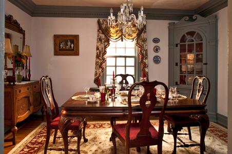 Applewood Inn - Virginia bed and breakfast dining room.jpg