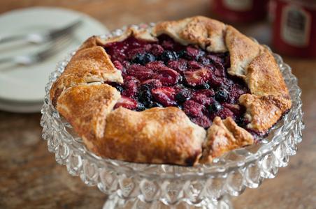 Baked fruit tart - food photograph.jpg