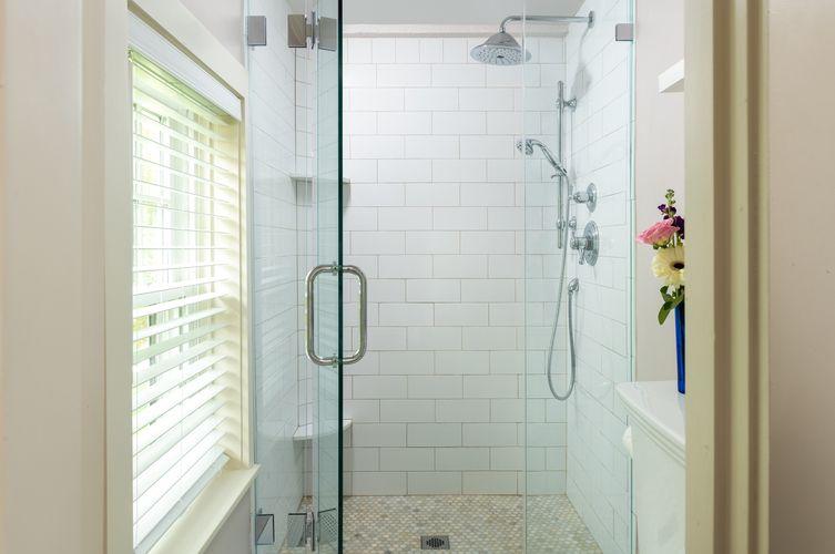 Guestroom---Brewster-Room-(5).jpg