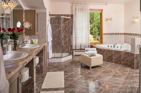 Pennsylvania Inn bathroom interior photograph.jpg