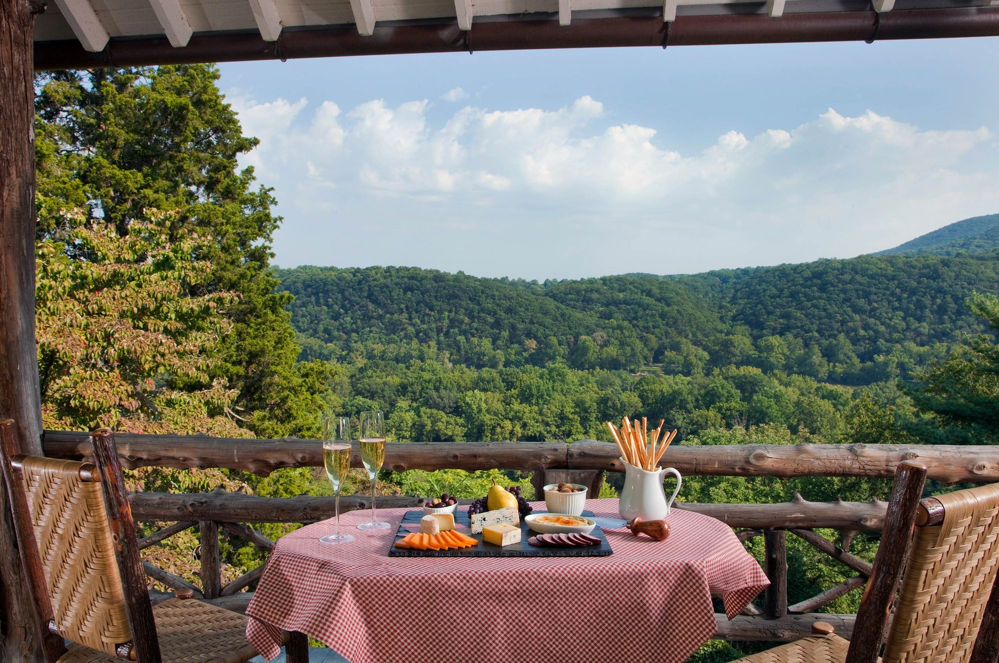 Food-Wine and Cheese-Mountian-View.jpg