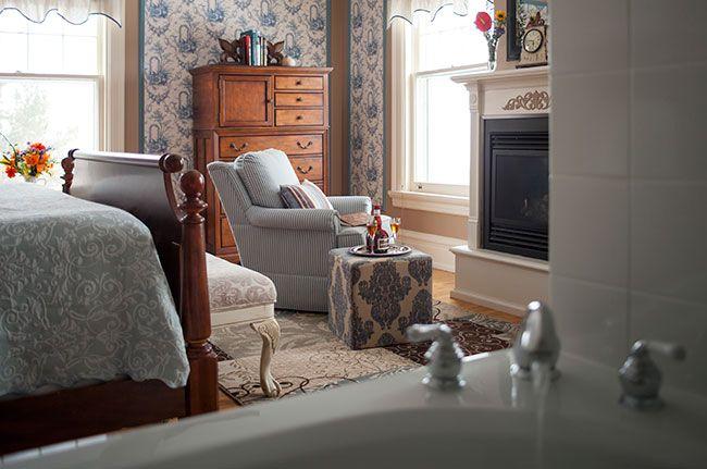 Guestroom-Salyards-Room.jpg