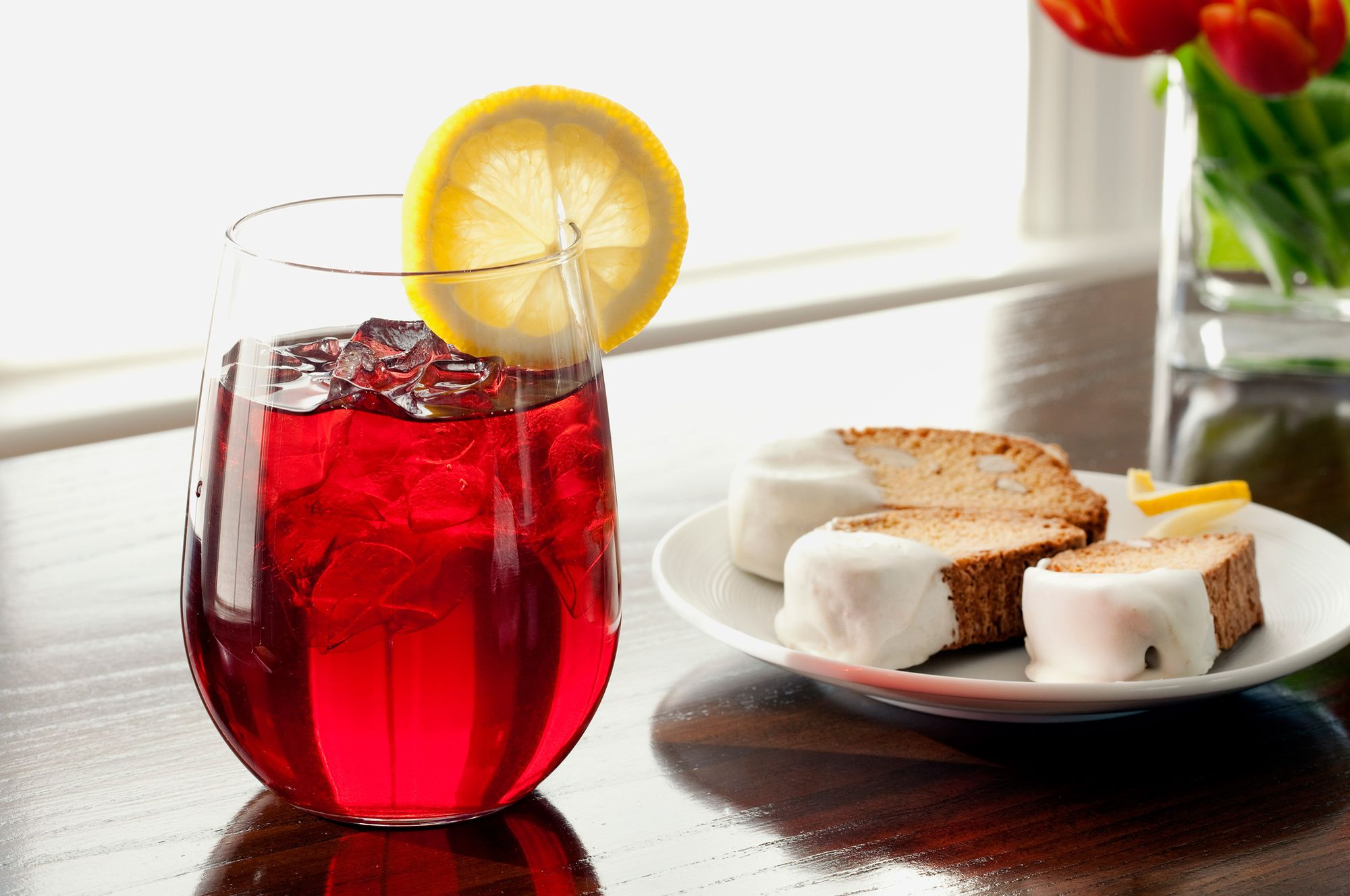 Berry iced tea with cream dipped biscotti.jpg