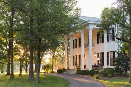 Ashford-Acres---Exteriors---Inn---Day---June-2017-(12).jpg