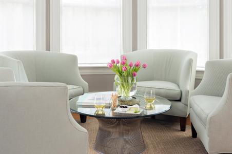 English-Meadows-Inn---Interiors---Living-Room---March-2017-(1)-copy.jpg