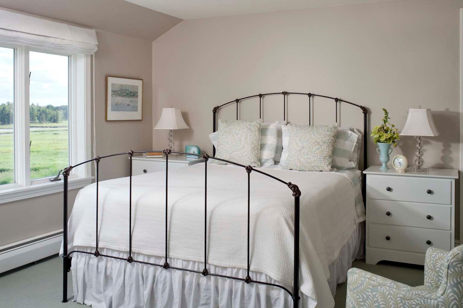 Guest-room-2.jpg
