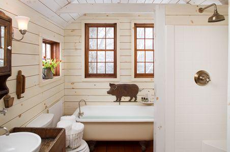 Interior photograph of an Olde Rhinebeck Inn bathroom.jpg