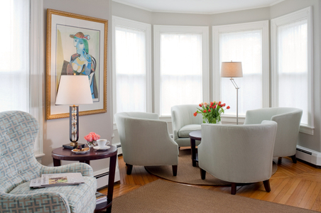 Sitting room - English Meadows Inn interior photograph.jpg