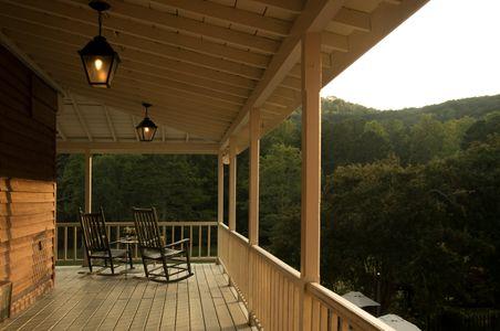 Georgia Inn's long porch .jpg
