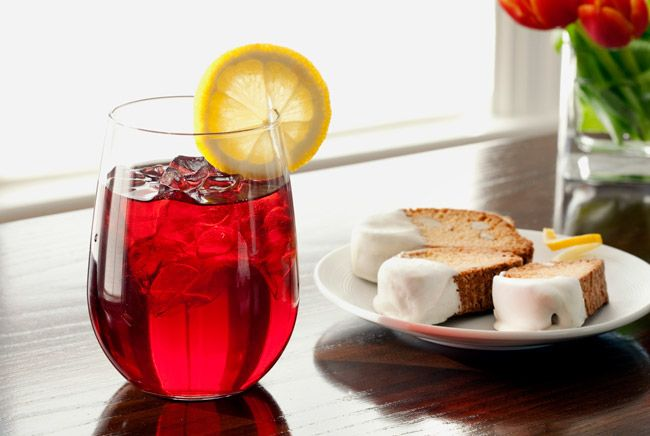 Food-Blueberry-Merlot-Iced-Tea-with-Lemon-Biscotti-Dipped-in-White-Chocolate_11.jpg