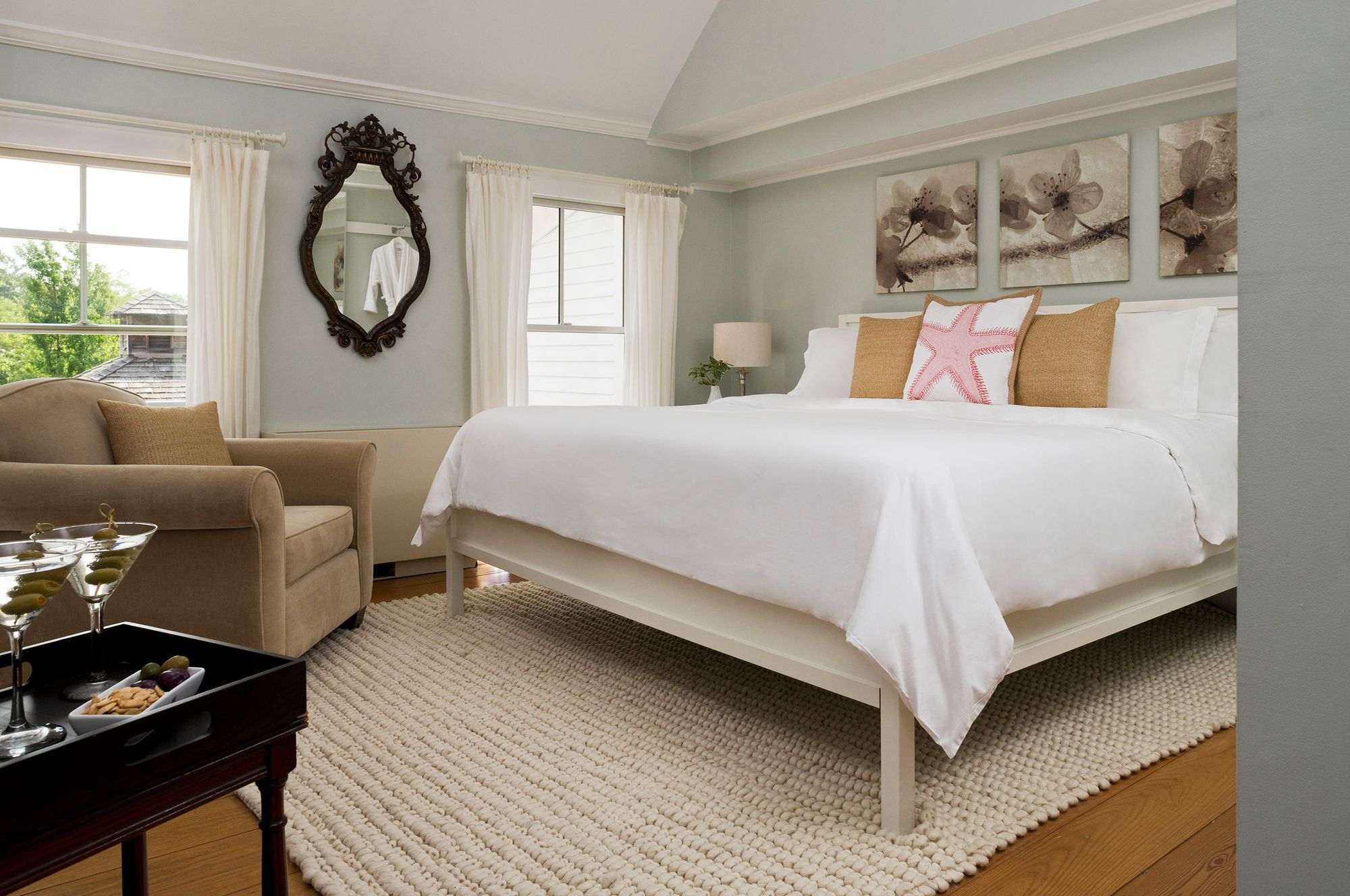 Shelter Island Inn guest room photograph.jpg